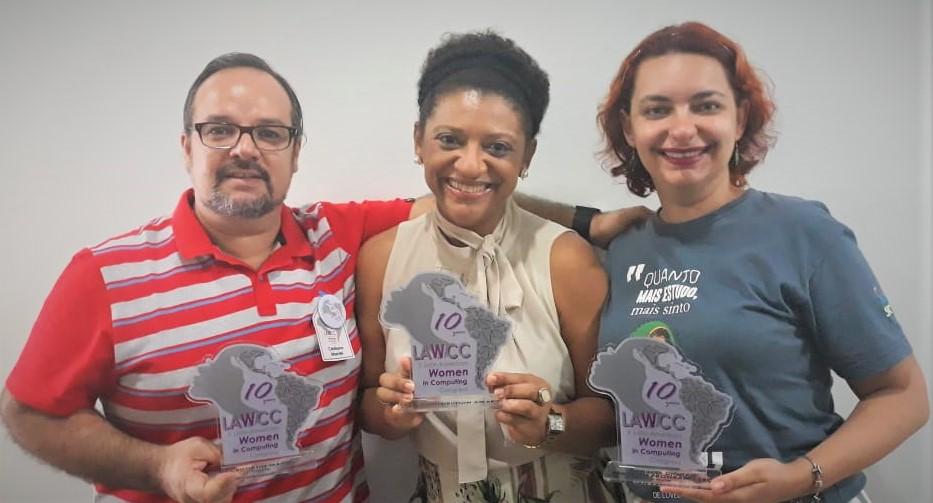 Recebimento de Homenagens e Prêmio no X Congresso da Mulher Latino-americana em Computação